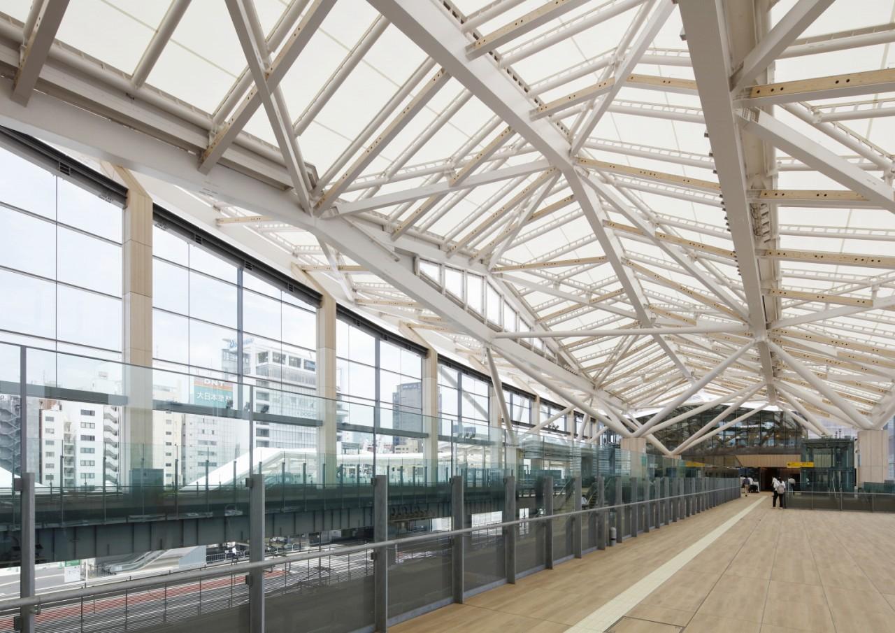 機能プラスαの価値ある空間|膜構造と駅の良い関係