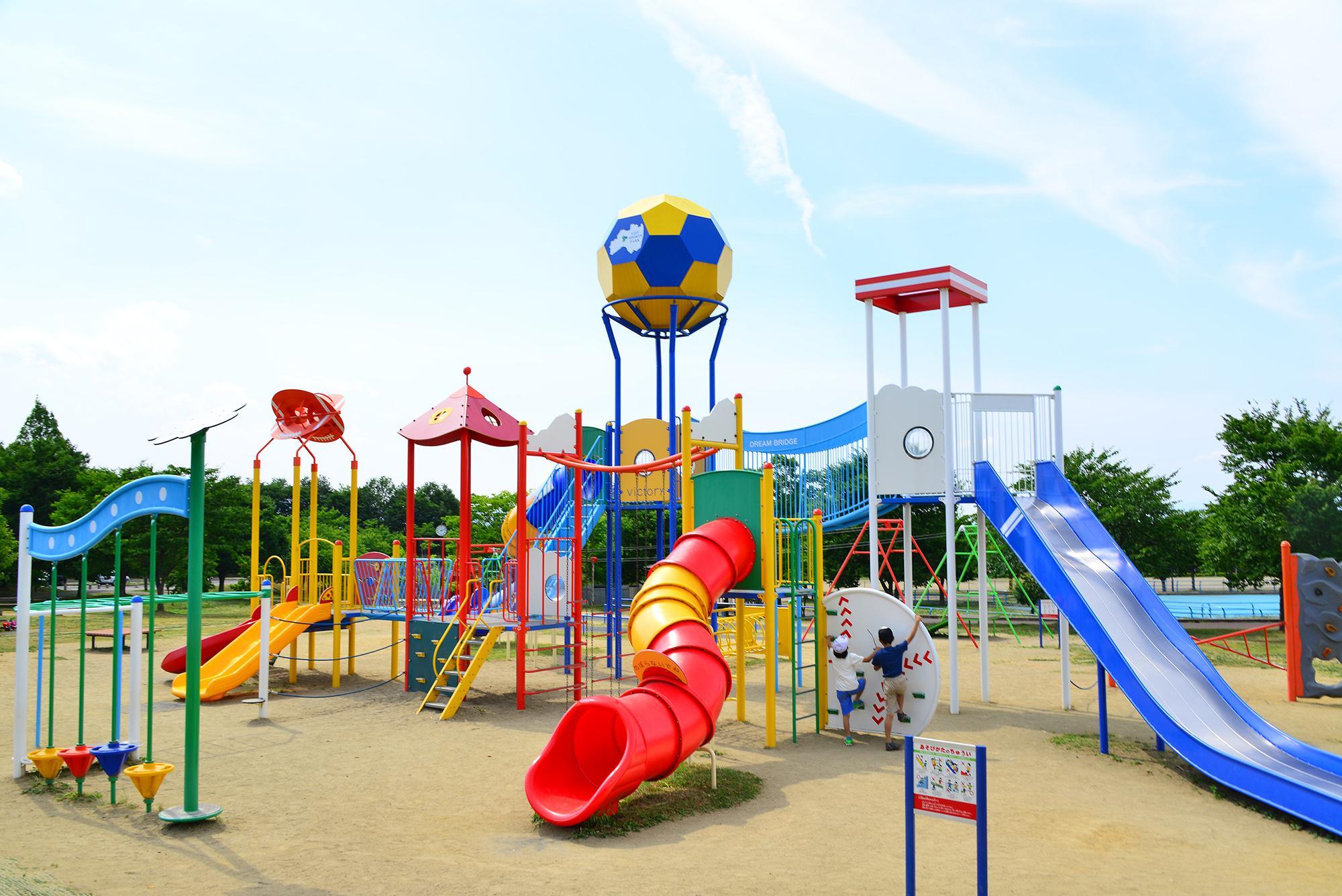 【公園管理者さま必見】子供に人気な遊具の種類とは?カタログ請求可能なイチオシ遊具も紹介