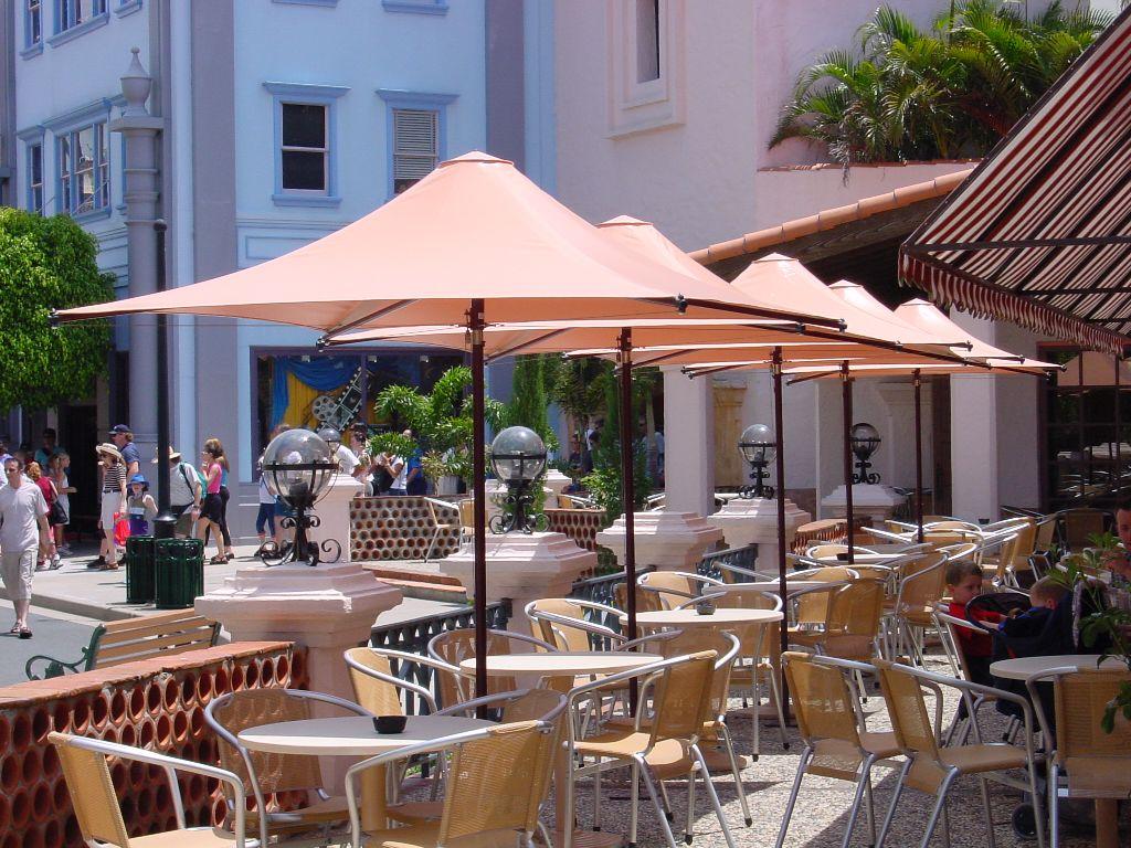【コロナ収益対策】店舗用の軒先テント「オーニング」が飲食店の売上をアップさせる理由