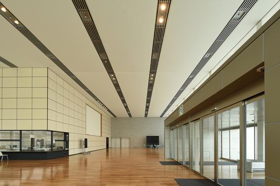 テナント離れが止まらない。築30年以上の賃貸ビルのエントランスホールをリノベーション!