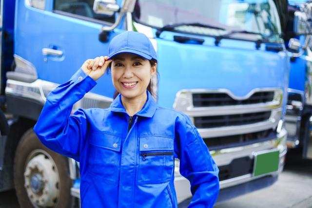 女性トラックドライバーも安心!荷役作業を減らし女性でも働きやすい環境をつくる方法とは