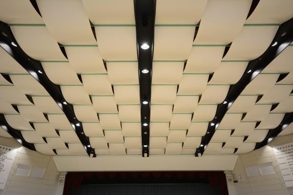 施設で活用される天井の種類まとめ